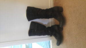 Jessica Simpson metallic pumps and LEATHER Brownz boots