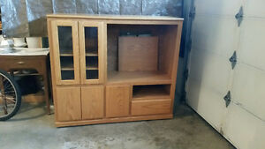 TV stand, Entertainment Center, Oak, good condition