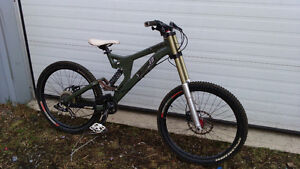 Specialized Big Hit Bike - FOX Avid Truvativ Sram DH FR Stratos