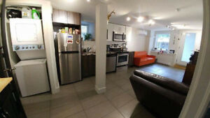 Chic One Bedroom, Newly renovated. September 1
