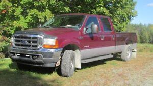 pick-up f250  2004 lariat 4 portes boîte de 8 pieds diesel