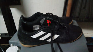 Soulier soccer footsal Adidas  homme