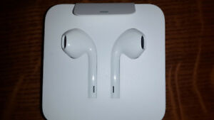 Apple Earpods (Lightning Connector) - Brand New