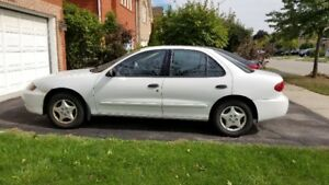 2005 Chevrolet Cavalier White Base model