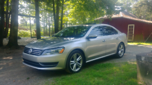 2012 Volkswagen Passat 2.5l MANUAL!