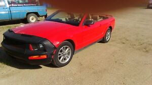 2005 Ford Mustang CONVERTIBLE Coupe (2 door)