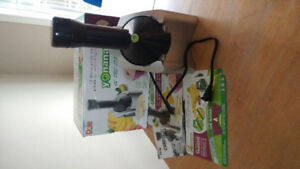 Yonanas healthy dessert maker (in box)