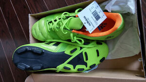 brand new soccer shoes - size 9