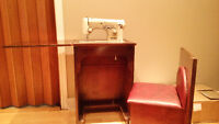 Vintage sewing cabinet Necchi machine à coudre