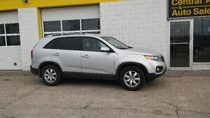 2013 Kia Sorento LX   AWD    $10997 Plus Taxes   Ph.204-339-1585