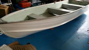 Starcraft 14 FT> Aluminum Boat Deep wide excellent
