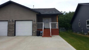 Townhouse for rent in Innisfail Feb 1st