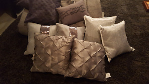 Queen comforter and throw cushions assorted