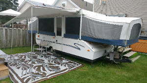 Tente roulotte a louer 12 pied / tent trailer for rent