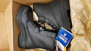 NEW Women's Steel Toe Work Boots w/ box