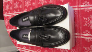 mens leather dress shoes size 8 new never worn. $30 firm