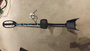 Fisher F75 Metal Detector With 2 Coils