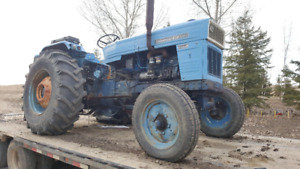 universal 650 tractor with  three point hitch