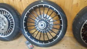 Harley-Davidson BREAKOUT COMPLETE WHEEL SET