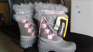 Brand new Thinsulate girls winter boot size 11 toddlers