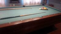 Bar box pool table with cue, balls, rake, etc