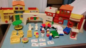Old Fisher-Price Little People Sets Barn/Sesame/Village/Hospital