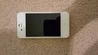 EXCELLENT CONDITION: WHITE IPHONE 4S 16GB WITH CASE AND CHARGER!