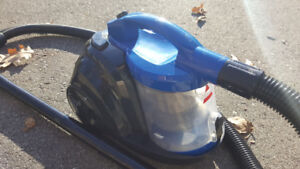 Bissell 6489E Zing Bagless Canister Vacuum