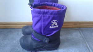Size 2 boy's or girl's purple Kamik snowboots