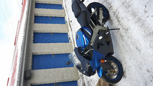 2001 Kawasaki Ninja (14km excellent condition)