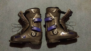 8.5 -9.0 women's skiing boots