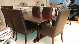 Dinning Table - Table a diner