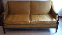 Gorgeous ANTIQUE vintage retro gold brocade LOVESEAT/SETTEE