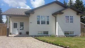 837 Madsen Pl. OPEN HOUSE! Weds June 28th 6:00-8:30pm