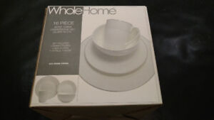 Dinnerware Set Silver Decal - 16 Pieces - Brand New