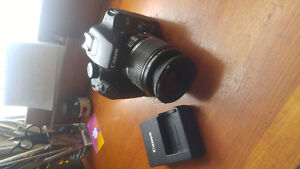 Canon eos rebel xs with battery charger