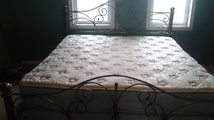 King size bed  $500