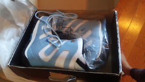 Size 5 Snowboard boots - brand new in box Cambridge Kitchener Area image 1