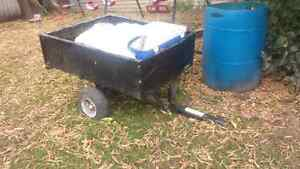 Ride on lawnmower dump trailer