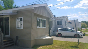 Maison mobile for rent in west island