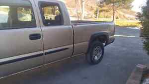 2004 Gmc 2500 for parts