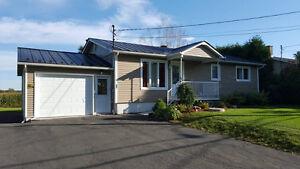 Maison à vendre Drummondville - Garage simple + garage double