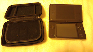 Nintendo DS XL for sale w/2 games and an acekard