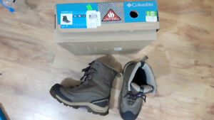 Columbia winter boots (Size 7)