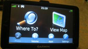 Garmin NUVI 2595LMT  5' Lifetime MAPS/TRAFFIC Voice Command GPS