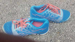Alot of  women shoes