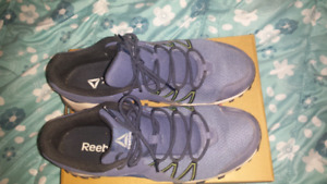 Mens size 11 reebok sneakers, wore once.