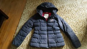 Woman's Med Hollister Winter Coat