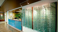 Optician or optical assistant