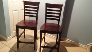 2 chairs counter height